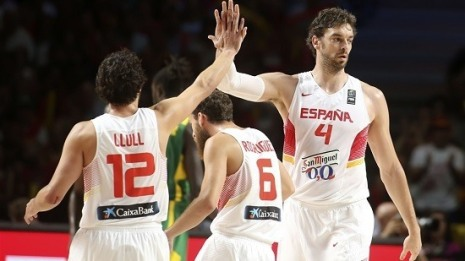 Pau-Gasol-y-Sergio-Llull.-FIBA-Photo
